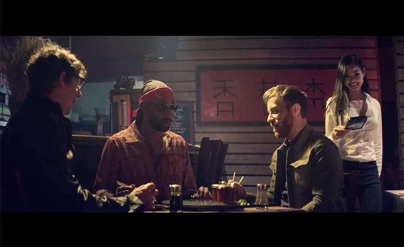 The Black Keys publicam o vídeo de tema cinematográfico