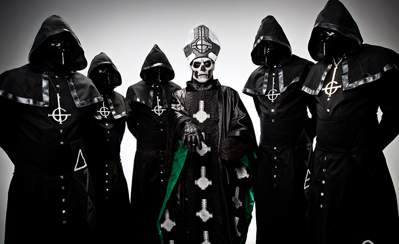 Ghost regressam com novo Papa!