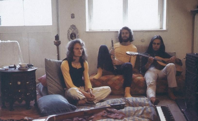 Popol Vuh com os primeiros álbuns re-editados.