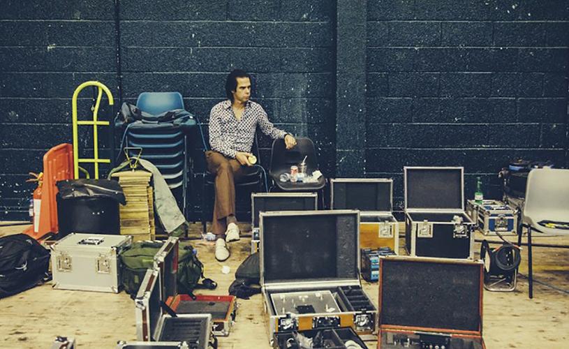 "Nick Cave Versão de ""Cosmic Dancer"" dos T.Rex"