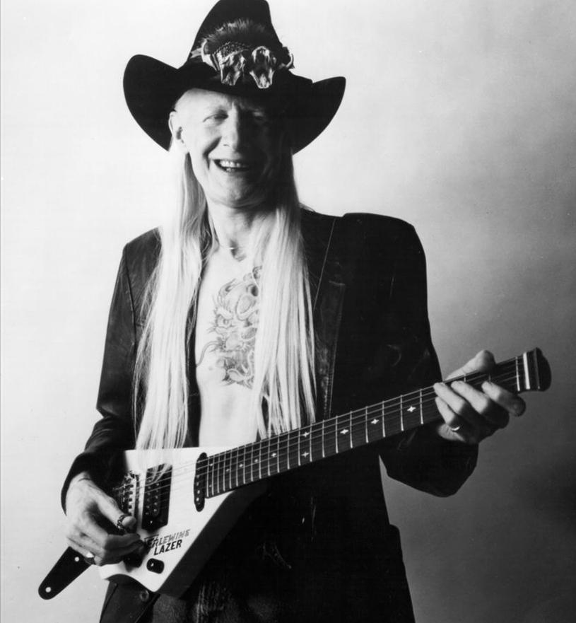 A lenda do blues Johnny Winter morreu aos 70 anos