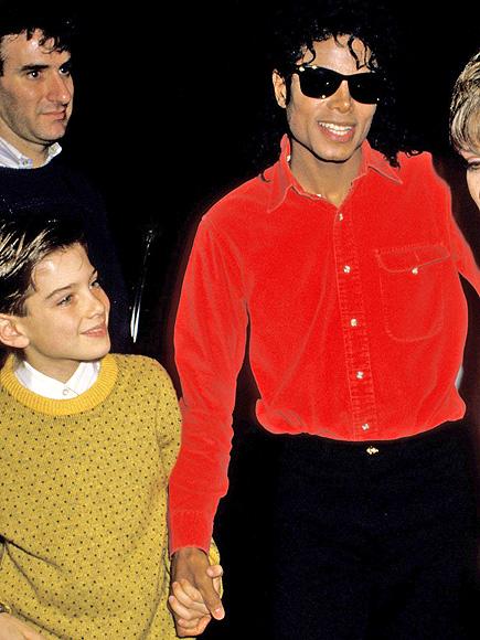 James Safechuck com Michael Jackson em 1988. RON GALELLA/WIREIMAGE