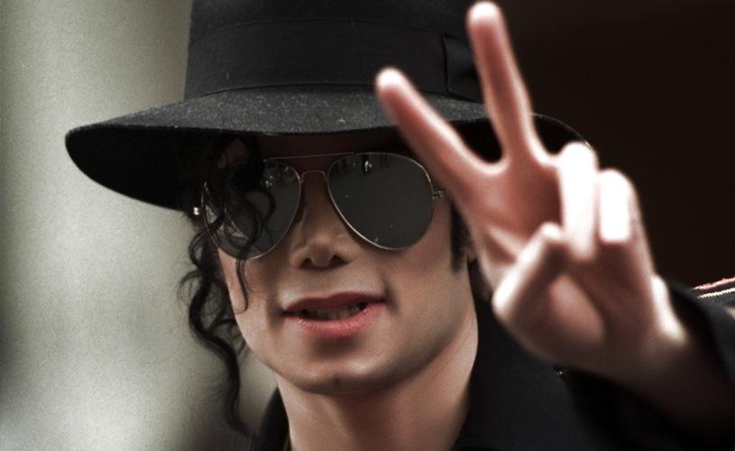 Michael Jackson sob novas acusações de abuso sexual