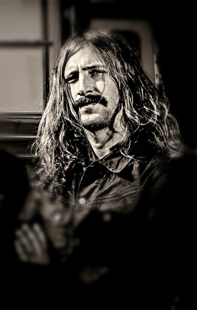 """Axel Sjöberg já fez parte dos Spiders e gravou os três álbuns de Graveyard, o homónimo de estreia, """"Hisingen Blues"""" e """"Lights Out""""."""