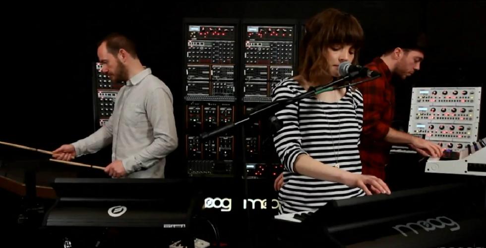 Chvrches na Moog Sound Lab