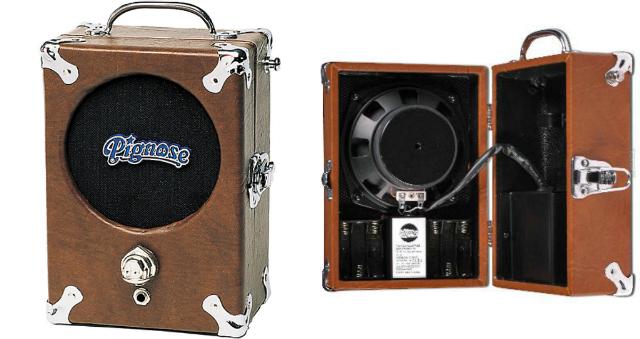 Algumas guitarras de ritmo foram gravadas com o Pignose meio aberto, com um micro também no meio da caixa.