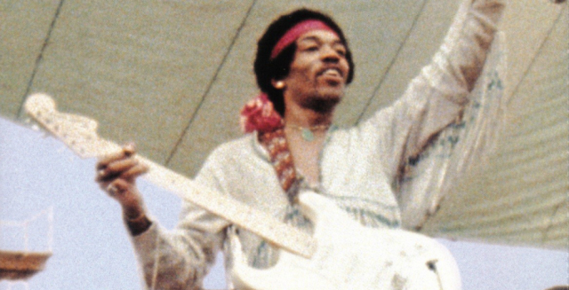 Hendrix num dos seus concertos mais memoráveis, no Woddstock '69.