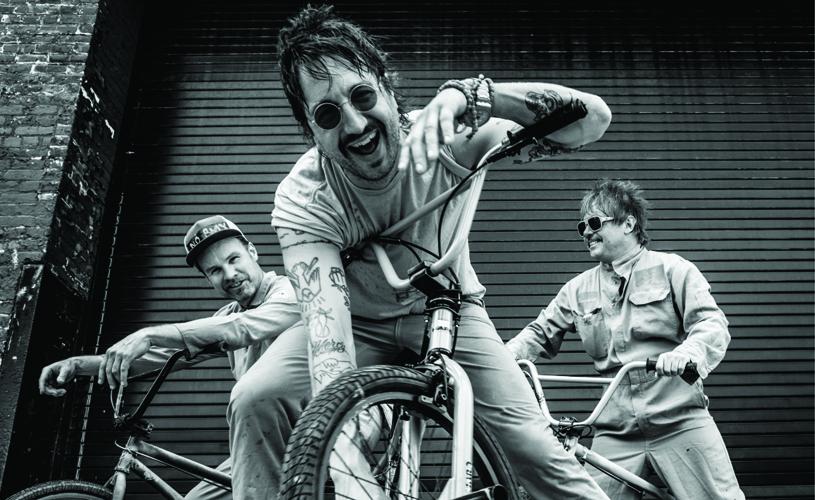 Supergrupo de baixista dos Pearl Jam regressa a estúdio