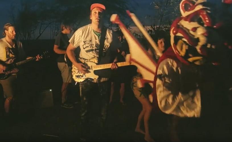 Carnaval no Haiti com Arcade Fire