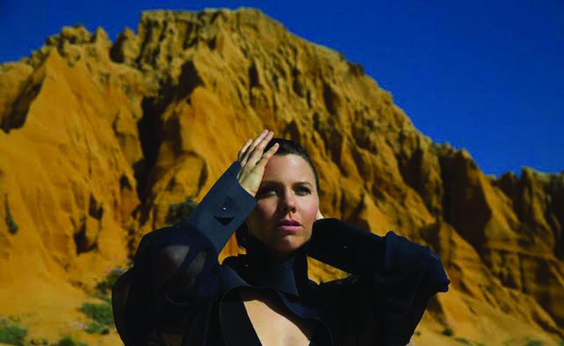 Sarah Neufeld prepara novo álbum a solo