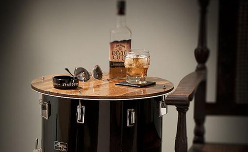 A melhor mobília feita de instrumentos reciclados