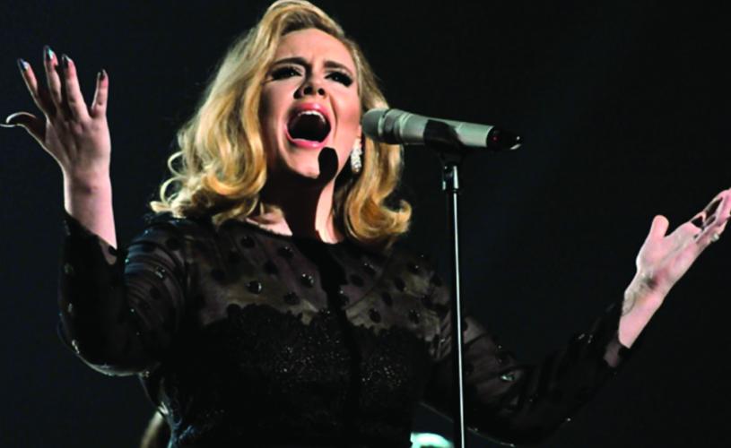 Adele dedica versão de Bob Dylan às vítimas de Bruxelas