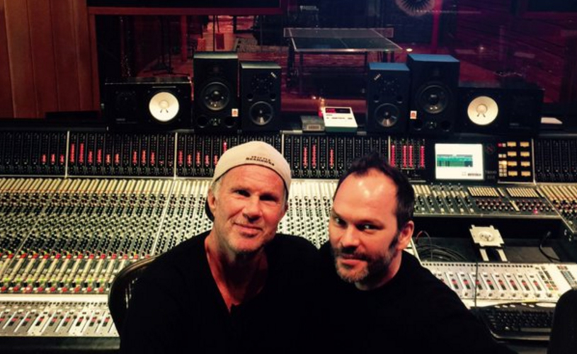 Red Hot Chili Peppers recrutam produtor de Radiohead