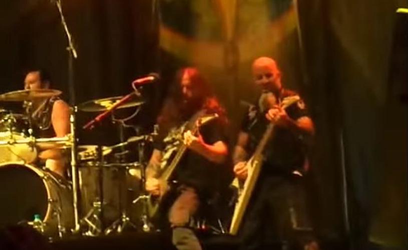 Andreas Kisser, dos Sepultura, junta-se aos Anthrax em palco