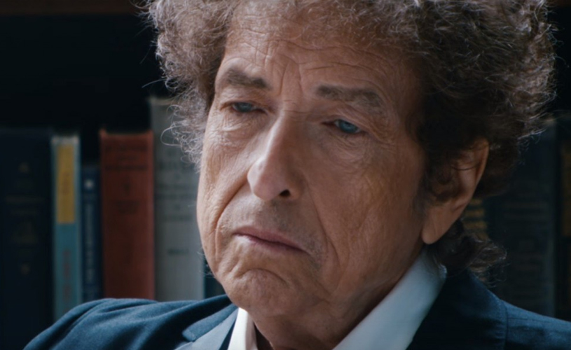 "Bob Dylan Revela Nova Canção Original, ""I Contain Multitudes"""