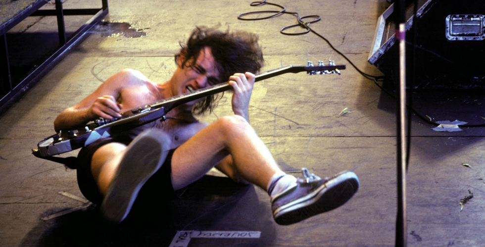 Angus Young, SG Gigante