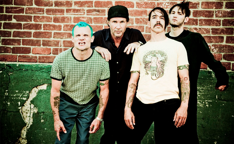 "Red Hot Chili Peppers: Ouve aqui o novo single ""The Gateway""!"
