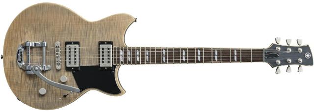 A Arte Sonora rodou o modelo RS720B, singular, desde logo, por ser a única guitarra Revstar com vibrato.