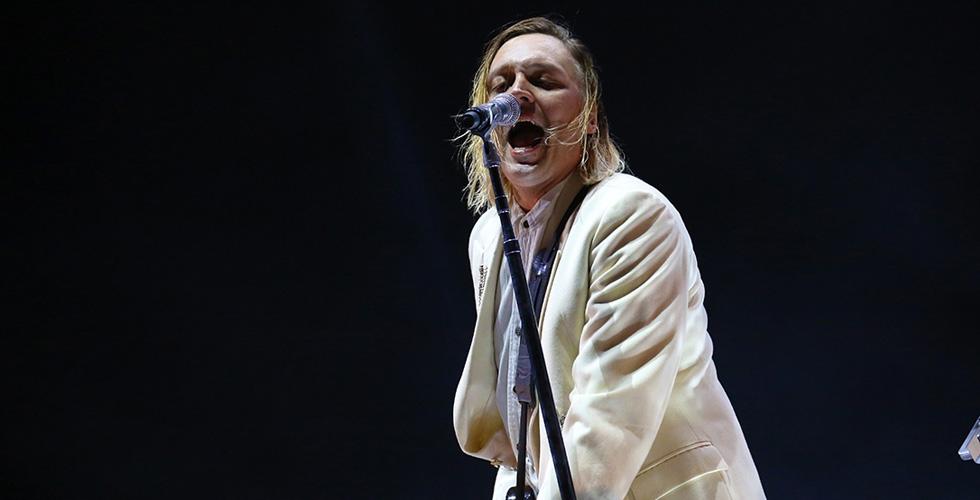 NOS Alive: Elegância e Furor em Arcade Fire