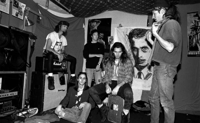 Os Mookie Blaylock: Jeff Ament, Mike McCready, Dave Krusen, Eddie Vedder e Stone Gossard.