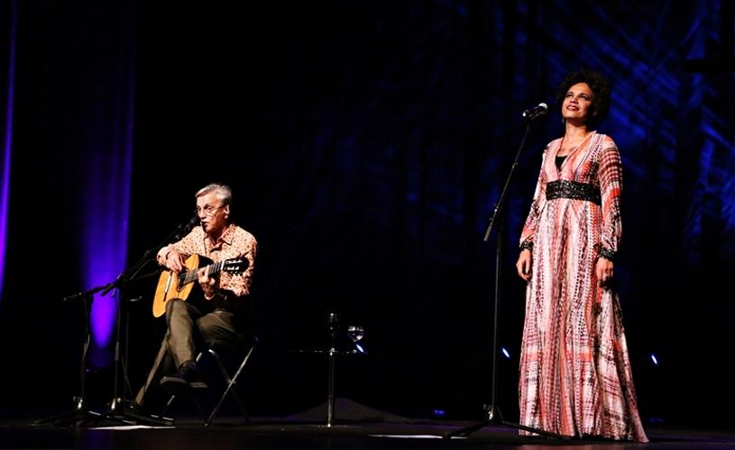 Caetano Veloso e Teresa Cristina: Um presente envenenado