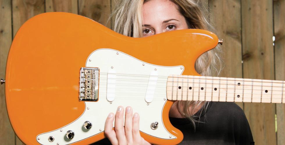 Fender ♀