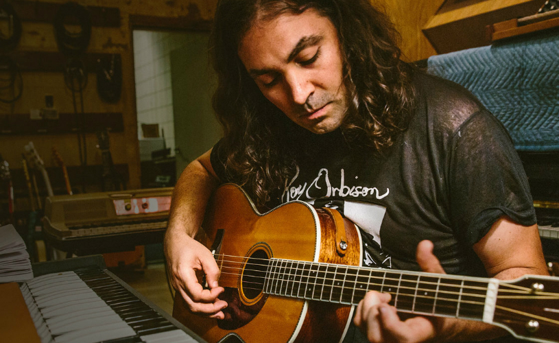 "The War On Drugs partilham ""Accidently Like A Martyr"""