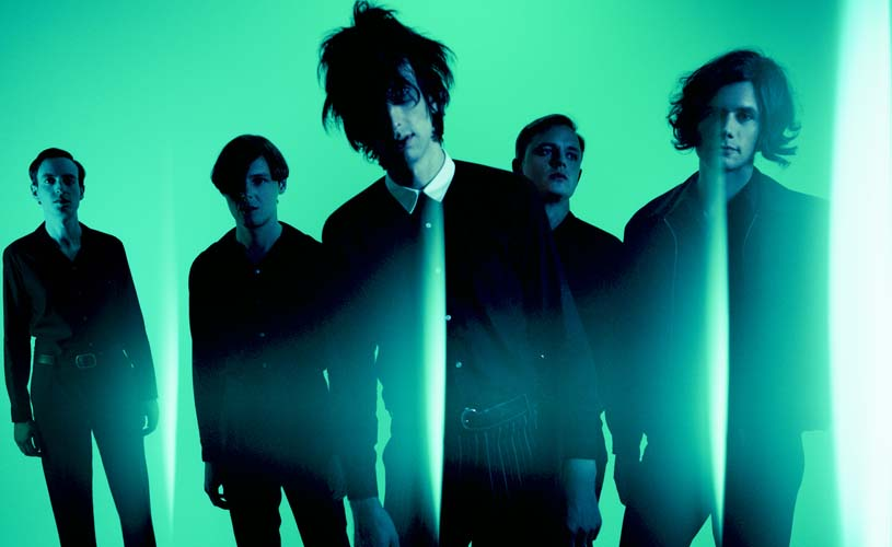 "The Horrors partilham novo single, ""Weighed Down"""