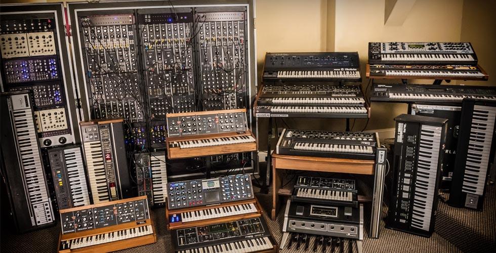 Syntronik: Buffet de Synths Vintage