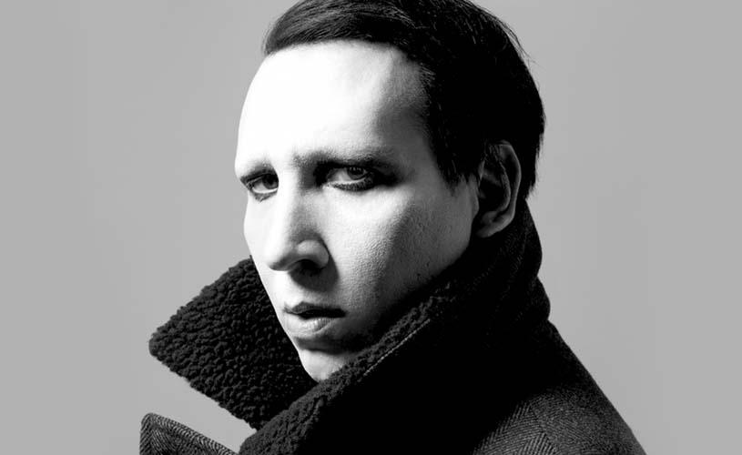 "Marilyn Manson regressa com ""Heaven Upside Down"""