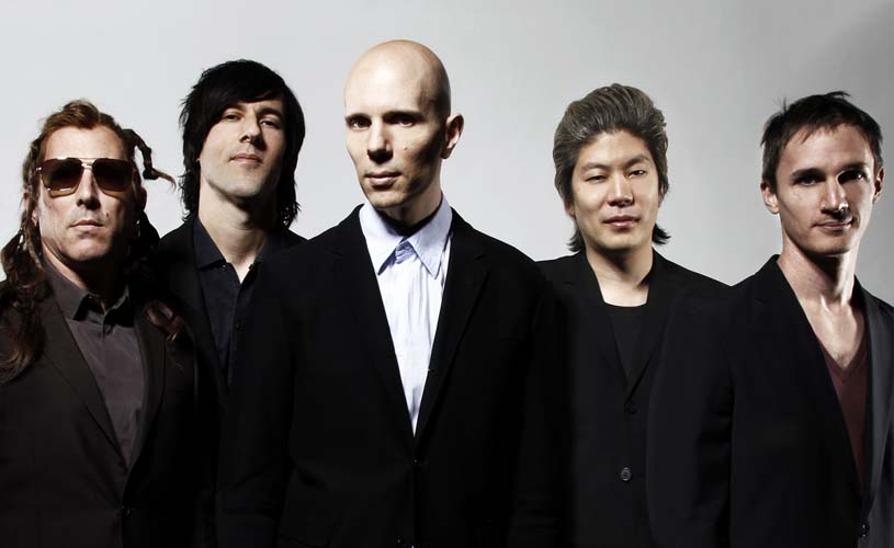 "A Perfect Circle anunciam ""Eat The Elephant"" e partilham o single ""TalkTalk"""