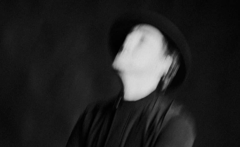 """""""Grotesco vs. A Canção"""", o novo EP de Miguel Angelo"""