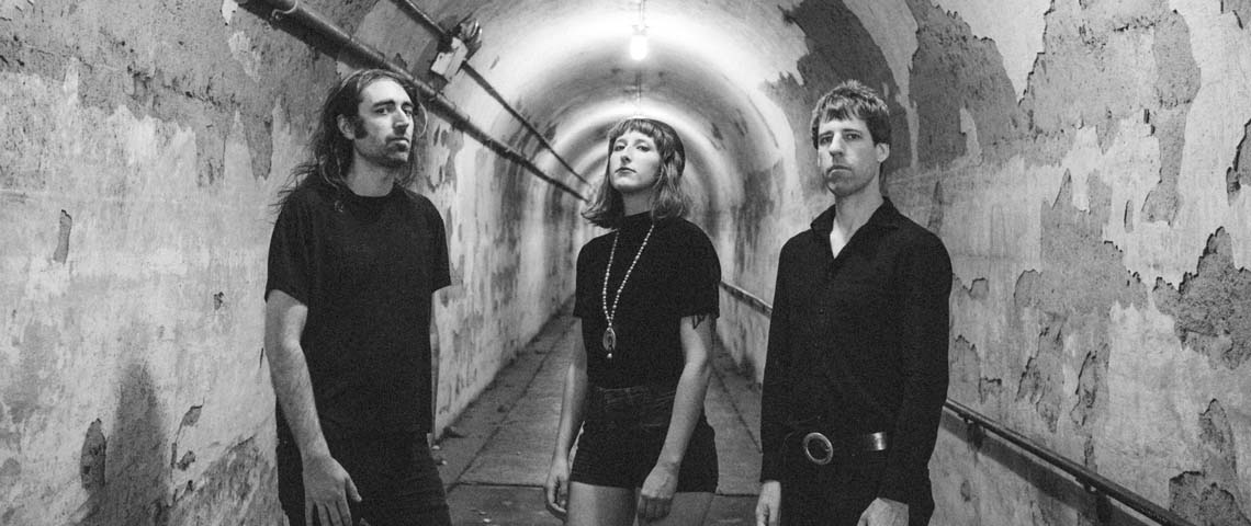 "A Place To Bury Strangers editam ""Pinned"" em Abril"