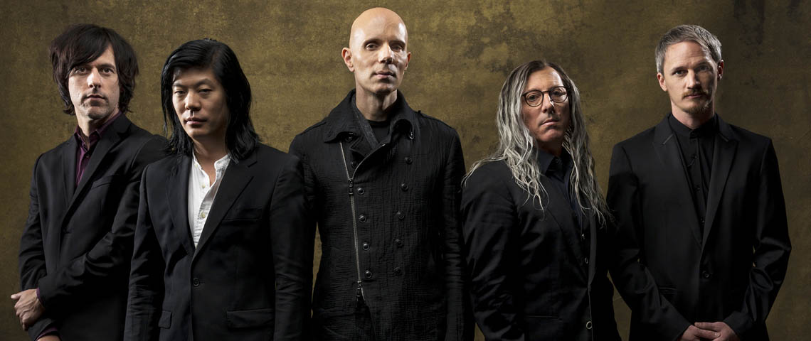 "A Perfect Circle: Nova música ""So Long, And Thanks For All The Fish"""