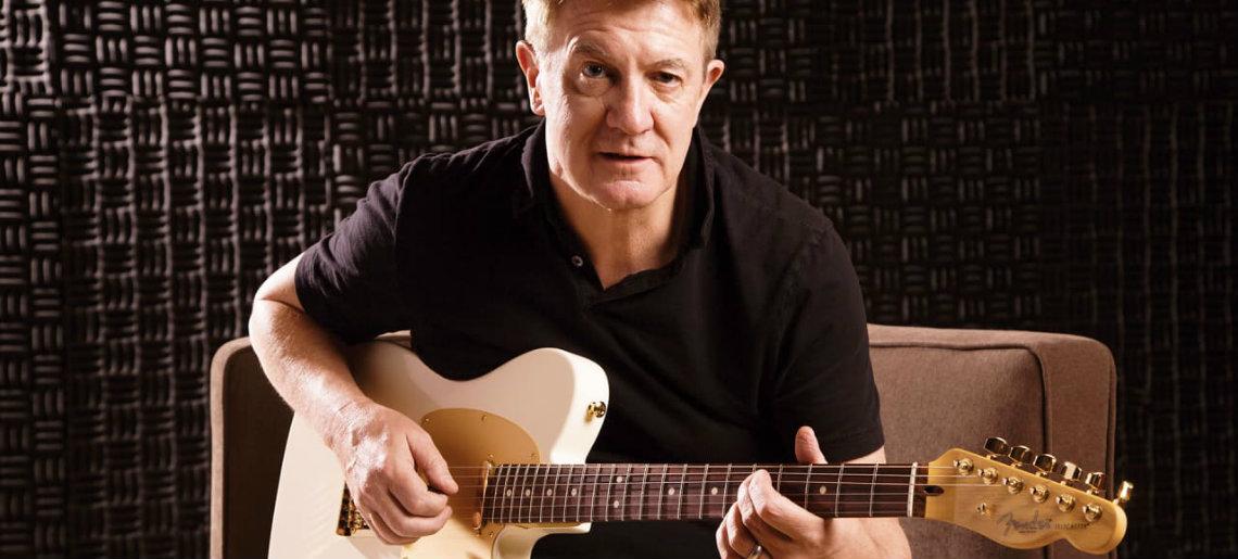 Andy Mooney, CEO da Fender, Atira-se à Gibson