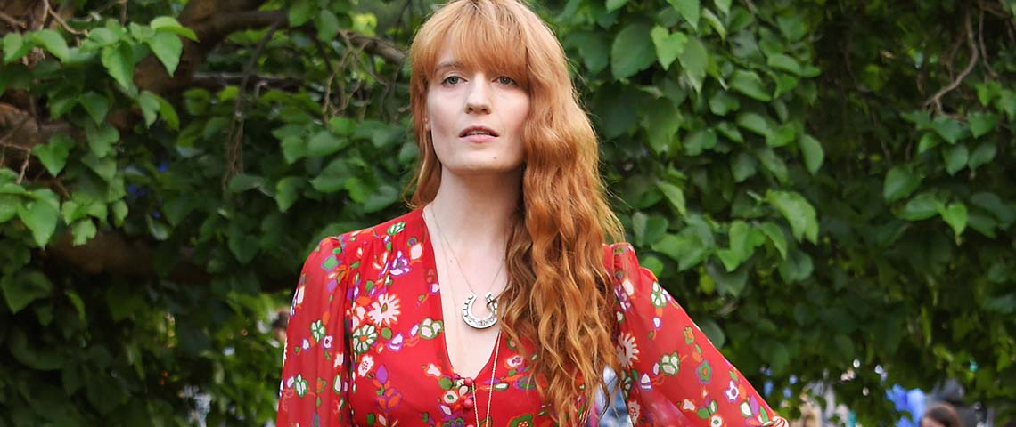 """Sky Full of Song"" marca o regresso de Florence and the Machine"