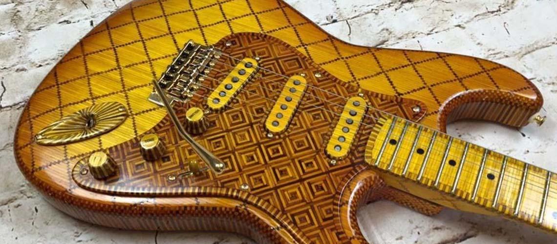 Guitarra Construída com Fósforos