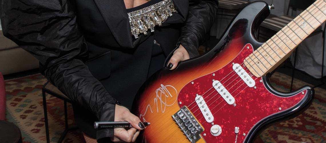 Rock in Rio Lisboa'18: Leilão de guitarras autografadas por Bruno Mars, The Killers, Demi Lovato ou Muse