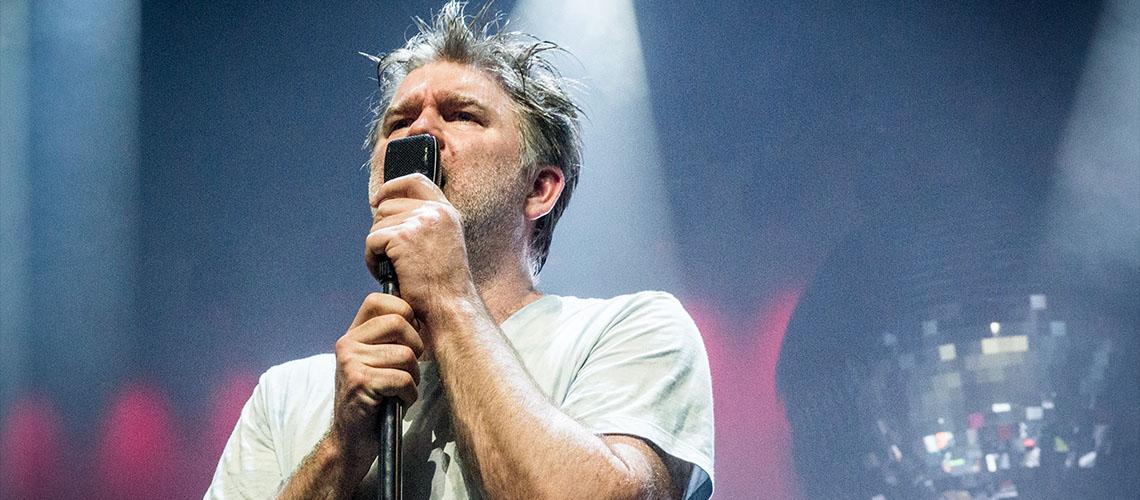 "LCD Soundsystem anunciam novo álbum com ""(We Don't Need This) Fascist Groove Thang"""