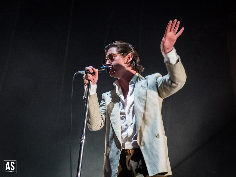 Novo álbum ao vivo dos Arctic Monkeys Por Uma Boa Causa