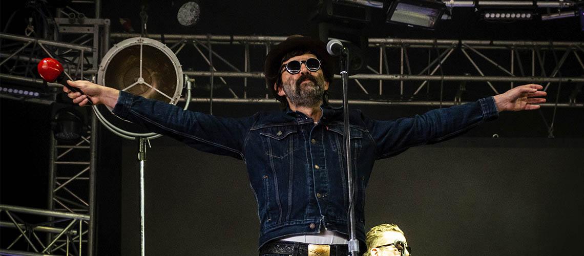 """""""Baby Let's Make It Real"""", Nova Canção dos Eels para Aliviar a Cabeça"""