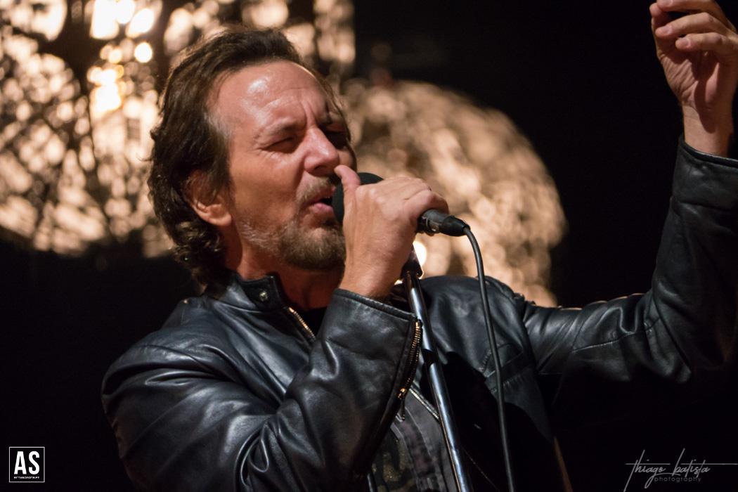 Pearl Jam sobem ao palco… virtual