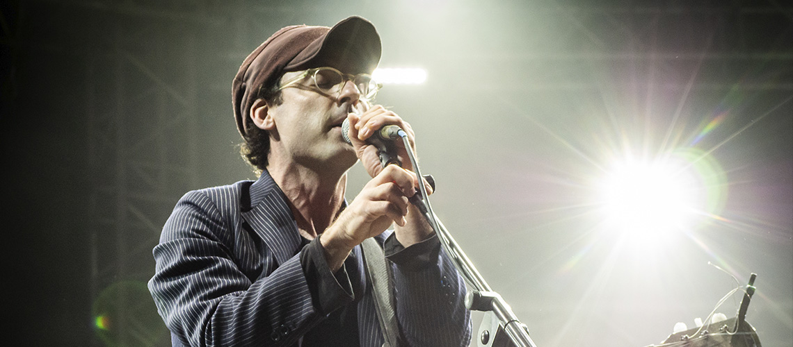 Clap Your Hands Say Yeah: Agarrem-se ao Instrumental