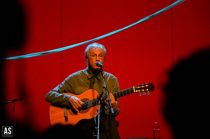 Caetano Veloso vai dar um concerto especial de Natal