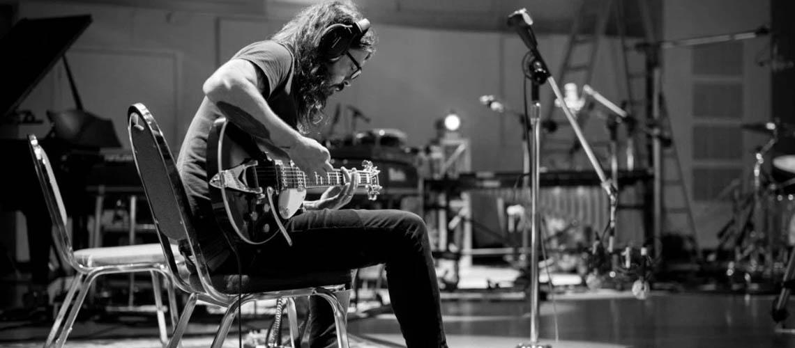Dave Grohl E Greg Kurstin Com Álbum Dedicado Ao Hanukkah