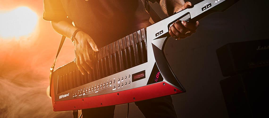 AX-Edge Keytar, o novo sintetizador portátil da Roland