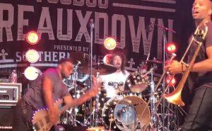 "Vê Dave Grohl a tocar ""In Bloom"" dos Nirvana ao vivo"