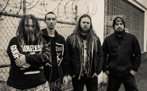 "Soulfly evocam Randy Blythe (Lamb of God) na faixa ""Dead Behind the Eyes"""