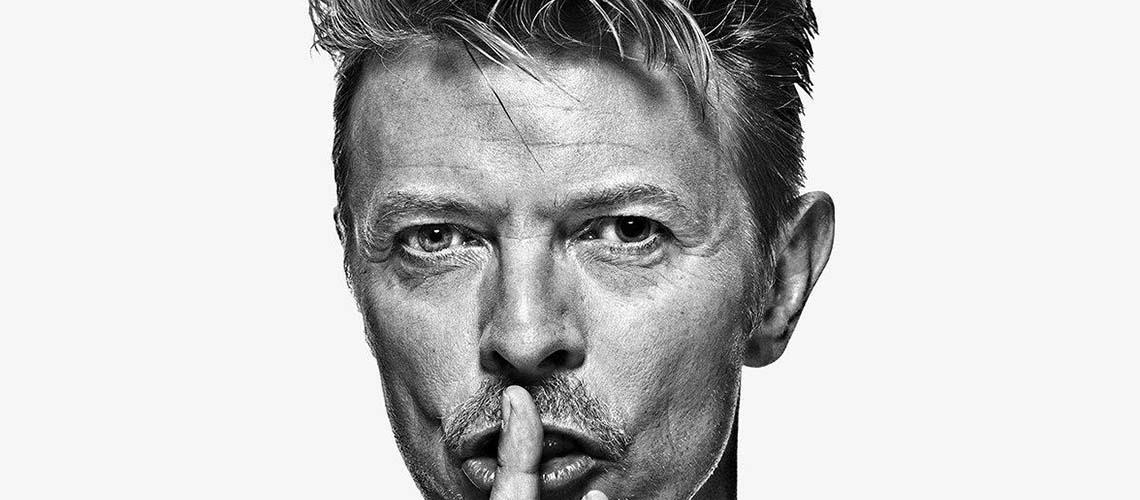 Apertei a mão ao Bowie e vocês não!