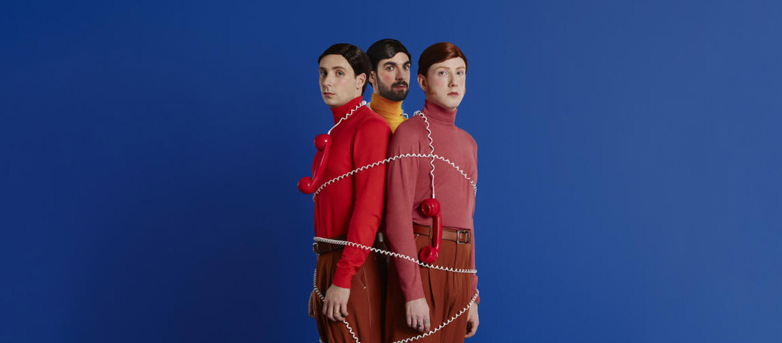"""Talk"" é o novo single dos Two Door Cinema Club"